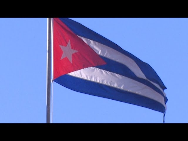 Cuban plane crashes, kills 8 troops on board, military says