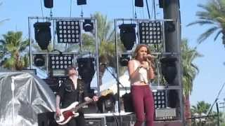 """Danielle Bradbery """"Young In America"""" Stagecoach 2014"""