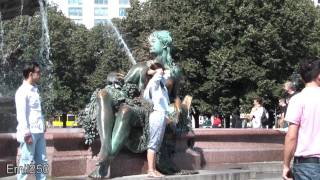 preview picture of video 'Berlin: Rund um den Neptunbrunnen (August 2011)'