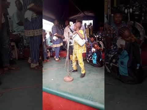Watch the wonder boy playing talking drum(gangan)