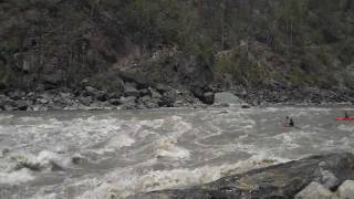 preview picture of video 'Human for Lunch Rapid on the Karnali'