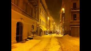 preview picture of video 'el neò del '12 - Osimo sotto la neve 6 febbraio 2012'
