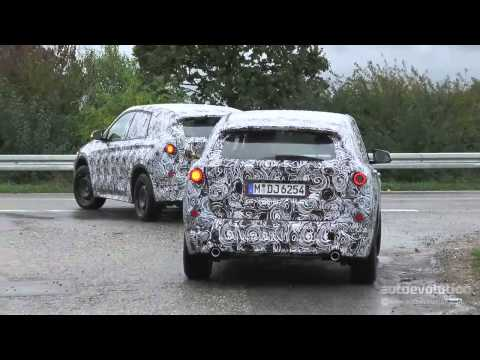 2015 BMW X1 Spinning Front Wheels