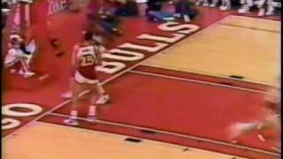 Michael Jordan 61 pts VS Hawks in 1987