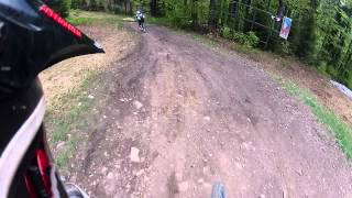 preview picture of video 'Downhill Wisla-Stozek 03.05.2012 Krystian Pezdan'