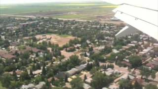 Boing 737 Landing in Regina Saskatchewan Canada