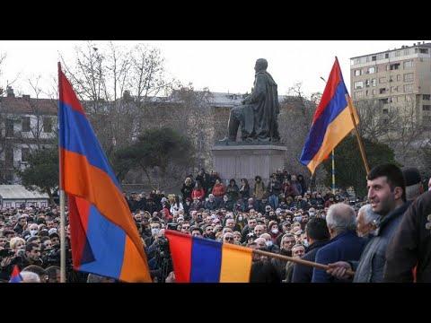 Κορυφώνεται η πολιτική κρίση στην Αρμενία
