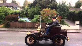preview picture of video 'Veteran cars along Brighton Road, Purley'