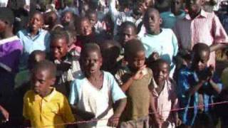 preview picture of video 'HTMI mission Uganda 2009'
