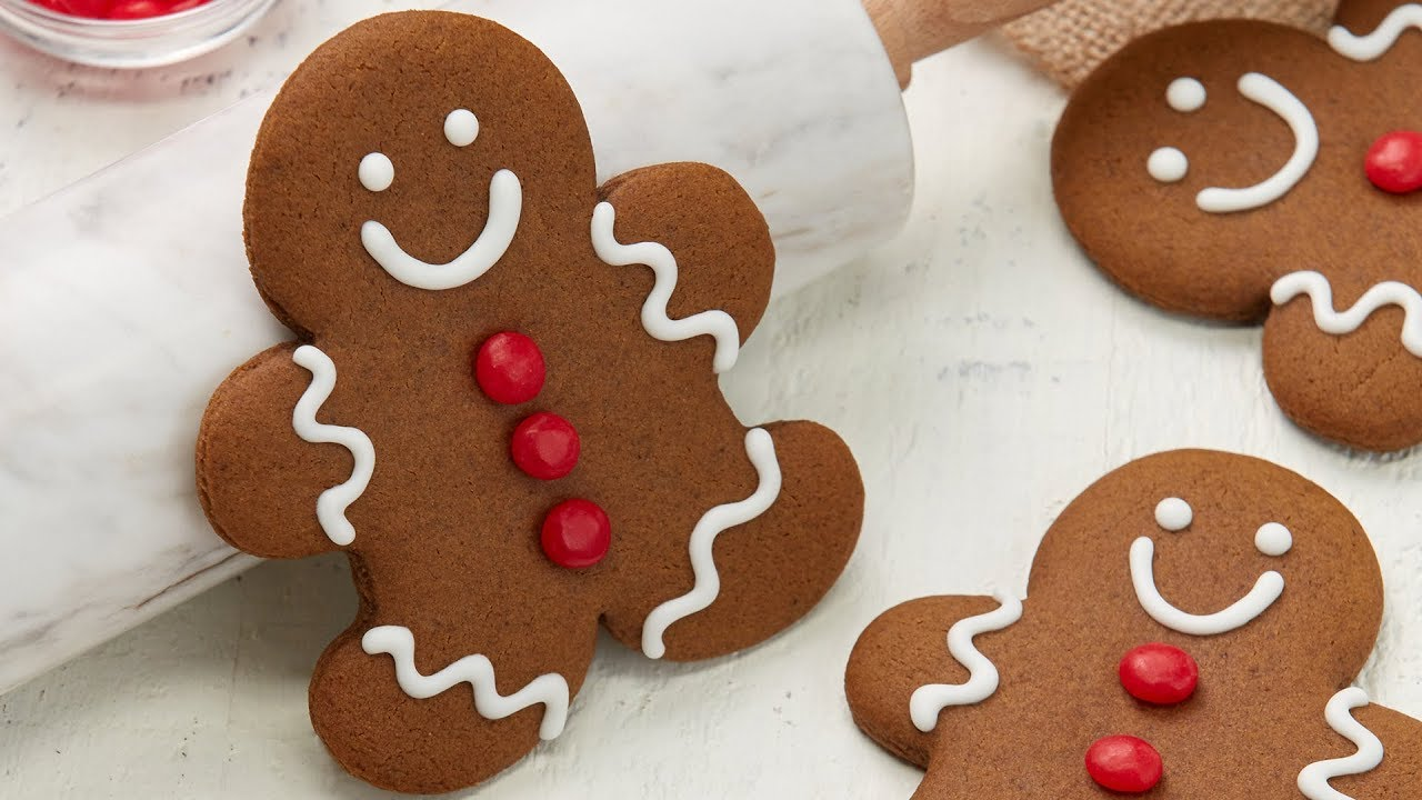 The BEST Gingerbread Cookie Recipe Ever! thumbnail