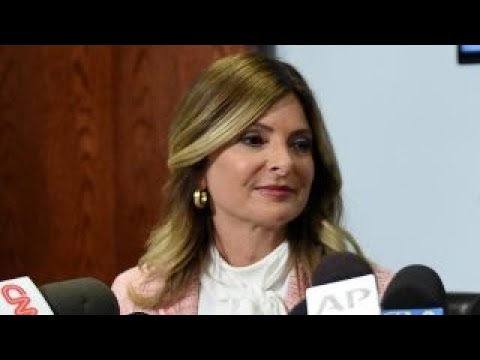 Did attorney Lisa Bloom break campaign finance laws?