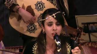 Jihane Houari interprétant un Istikhbar Zidène suivit d'un Inklab Zidène Ya badie Elhosn تحميل MP3