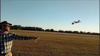 How to fly chuck gliders and catapult gliders!