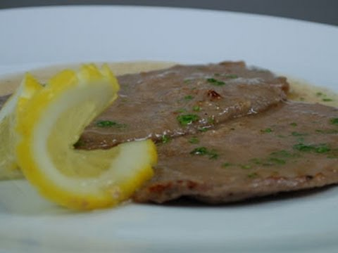 Video Veal scallops with lemon sauce - italian recipe