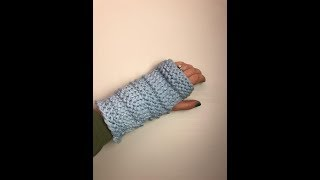 Easy Fingerless Mittens (Beginner Friendly)