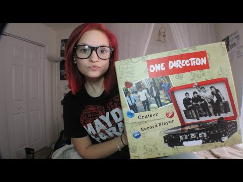One Direction Record Player?! Unboxing & Set-up