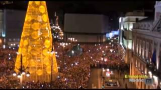 preview picture of video 'Imágenes aéreas del Drone en la Puerta del Sol en Nochevieja (01/01/2014).'
