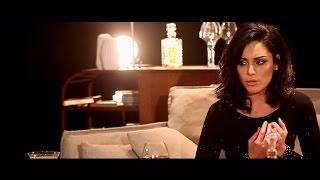 Sarah Riani - L'Etranger - Clip Officiel