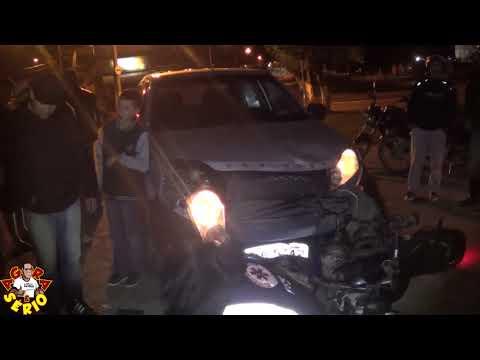 Acidente entre carro e moto no centro de Juquitiba deixa uma pessoa ferida