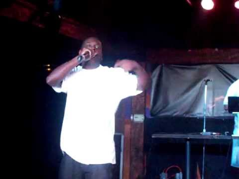 DETROIT HEAT ft SPEEZY  performing Grindn!!!!