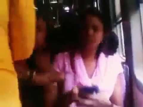 Ladies Fight in Mumbai local