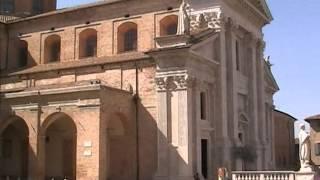 preview picture of video 'Urbino Palazzo Ducale e Duomo'