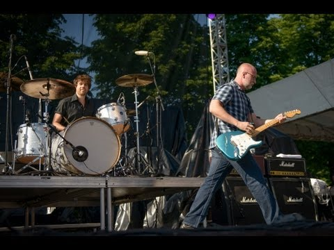 Bob Mould - The Descent (Live at Rock the Garden 2013)