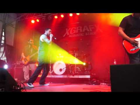Slowlikefire - My Name is Billie Jean Davy (live at River City Rockfest)