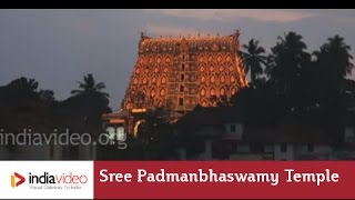 A hundred thousand lights at Sree Padmanabhaswamy Temple