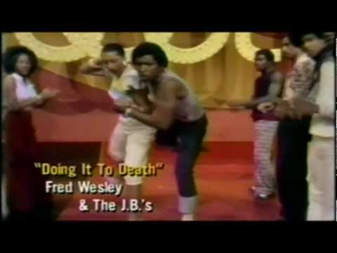 JAMES BROWN & THE JB'S - DOING IT TO DEATH.70S SOUL DANCERS online metal music video by THE J.B.'S / JB HORNS