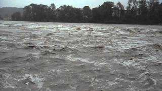 preview picture of video 'Hochwasser in Wasserburg Inn Juni 2013'