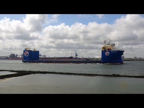 Diversen schepen groot en klein, locatie nieuwe waterweg 25-5-2021