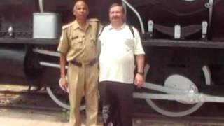 Слепой украинец  в железнодорожном музее Индии
