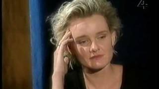 Eva Dahlgren - En blekt blondins resor - 10 Intervju (Fåfäng), Ängeln i rummet