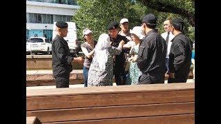 Боевая апашка разгоняет полицейских. Митинг 23.06.18. Алматы/ БАСЕ