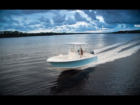 Sea Hunt Boats | Ultra 225 | Center Console Boat