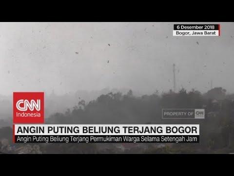 Dahsyatnya Terjangan Angin Puting Beliung di Bogor