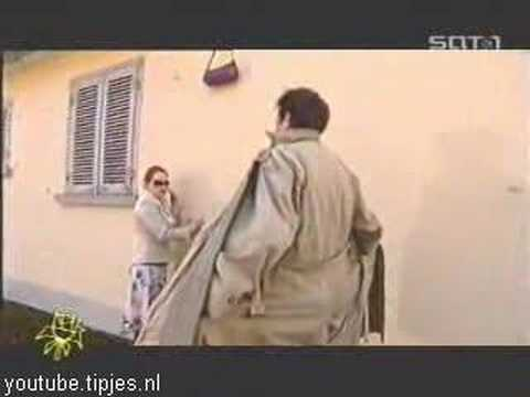 Grappige filmpjes humor kaarten, Youtube Humor Woman Uses Flasher funny humor