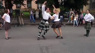 """Фестиваль """"Живые улицы"""", шотландский танец Reel of Tulloch"""