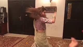 Neelam Muneer Dance On Pushto Song