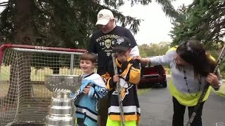 Hockey fans get Stanley Cup surprise