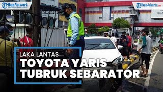 Pengemudi Toyota Yaris Tabrak Separator di Jalan Senen Raya, Korban Kecelakaan Masih Ditangani di RS