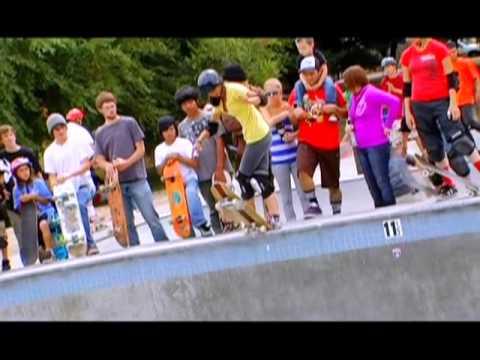 Girls Skateboarding Video Old School Vert Street Punk
