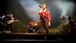 Christine and the Queens - Comme si on s'aimait - Live Geneva Arena 11.12.2018