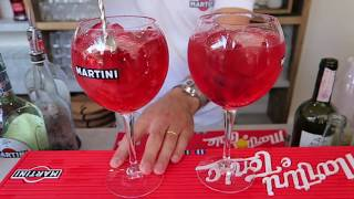 Martini Cocktail A 20 Metri Di Altezza A Milano