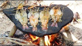 Survival Technique Cooking Shrimp on Rock - Grilled Shrimp Eating Delicious