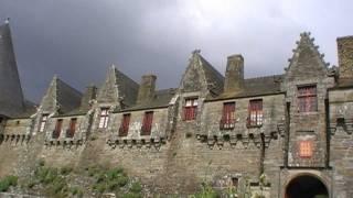 preview picture of video 'Château de Rohan, 56300 Pontivy, Morbihan, Brittany, France 29th April 2011.'