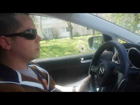 Gießt das Benzin Mercedes 190