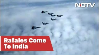 Rafale Fighter Jets Being Escorted By SU30 MKIs