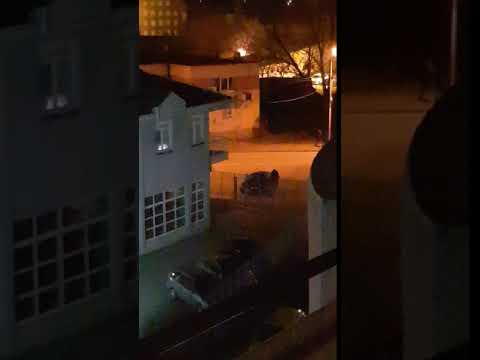 Muškarac razbijao retrovizore po Nišu, građani ga nisu prijavili policiji